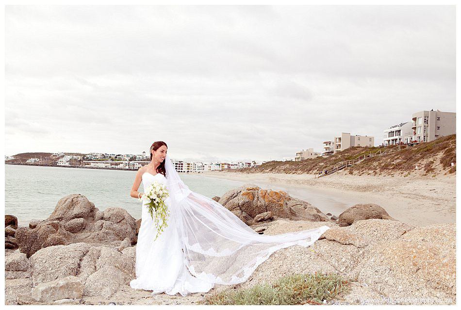 Crystal Lagoon Lodge, West Coast beach wedding - Bianca & Daniel (27)
