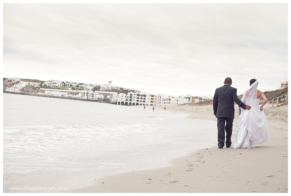 Crystal Lagoon Lodge, West Coast beach wedding - Bianca & Daniel (38)
