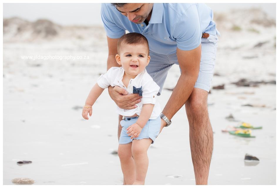 Jilda-G-Photography-family-photographer-beach_0693