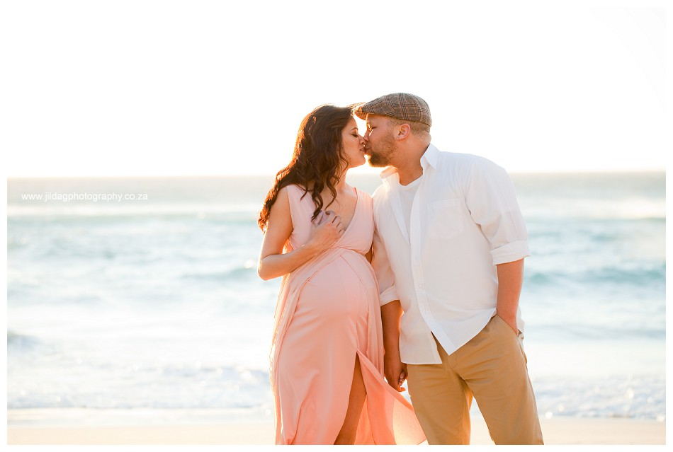 Maternity beach shoot - Jilda G Photography - pregnancy twins (19)