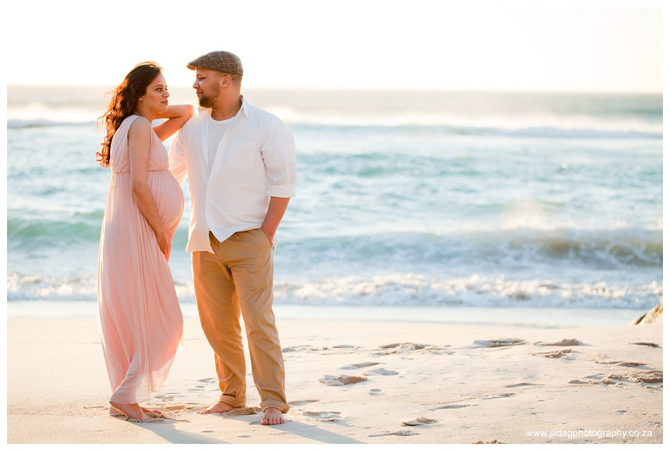 Maternity beach shoot - Jilda G Photography - pregnancy twins (21)