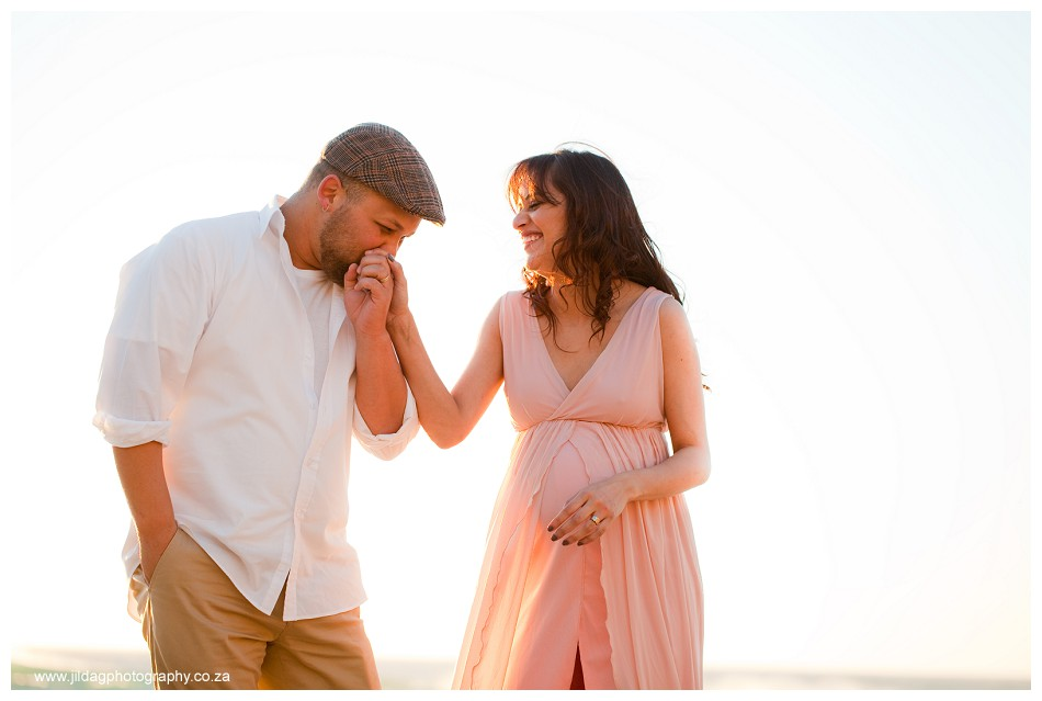 Maternity beach shoot - Jilda G Photography - pregnancy twins (24)