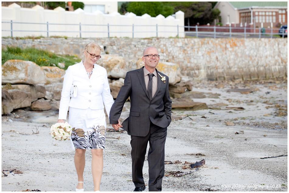 Beach wedding - elopement - JIlda G Photography- Cape Town (19)