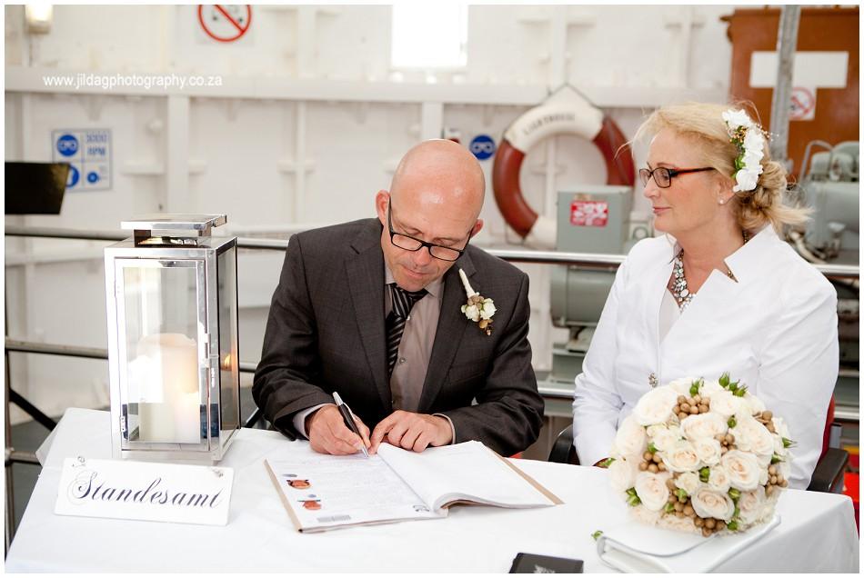 Beach wedding - elopement - JIlda G Photography- Cape Town (5)