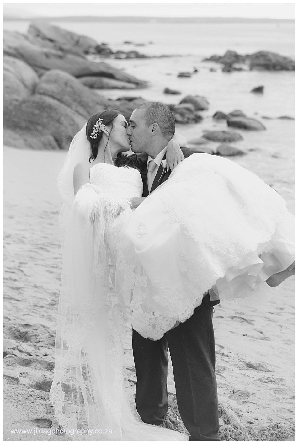 Crystal Lagoon Lodge, West Coast beach wedding - Bianca & Daniel (35)