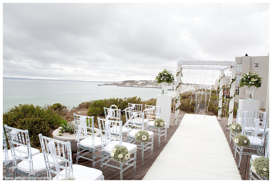 Crystal Lagoon Lodge, West Coast beach wedding - Bianca & Daniel (9)