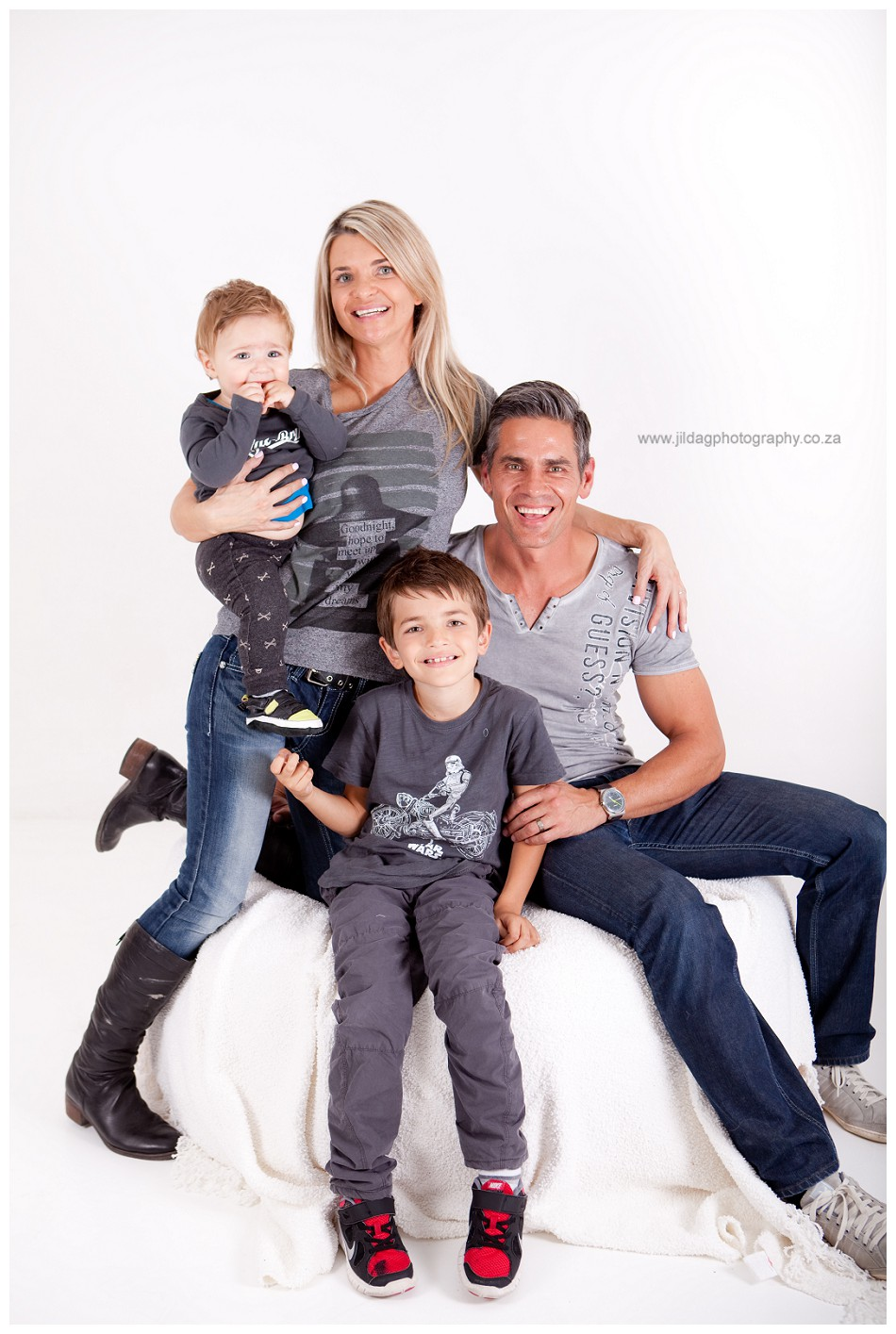 Family - studio - photoshoot (17)