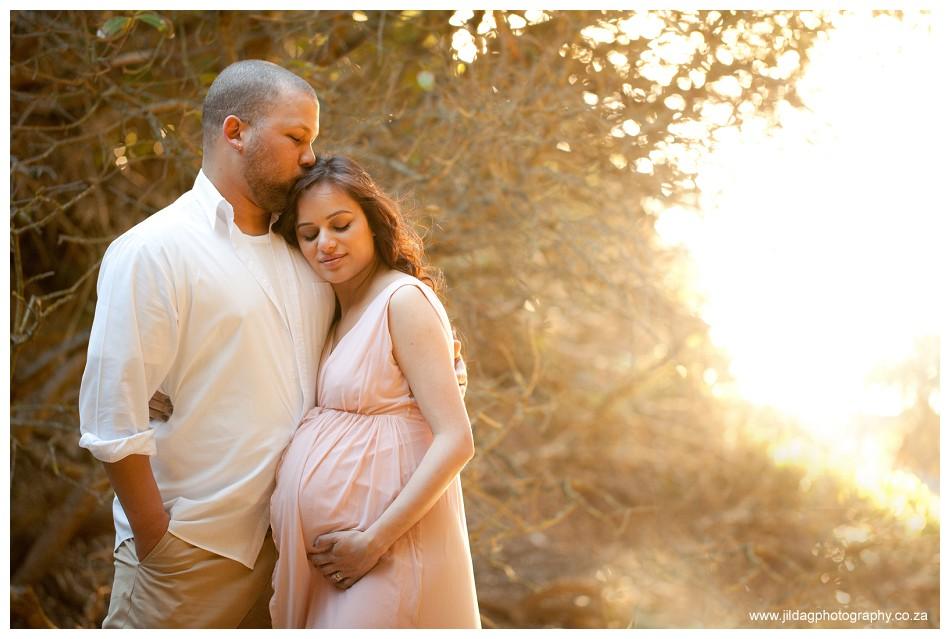 Maternity beach shoot - Jilda G Photography - pregnancy twins (11)
