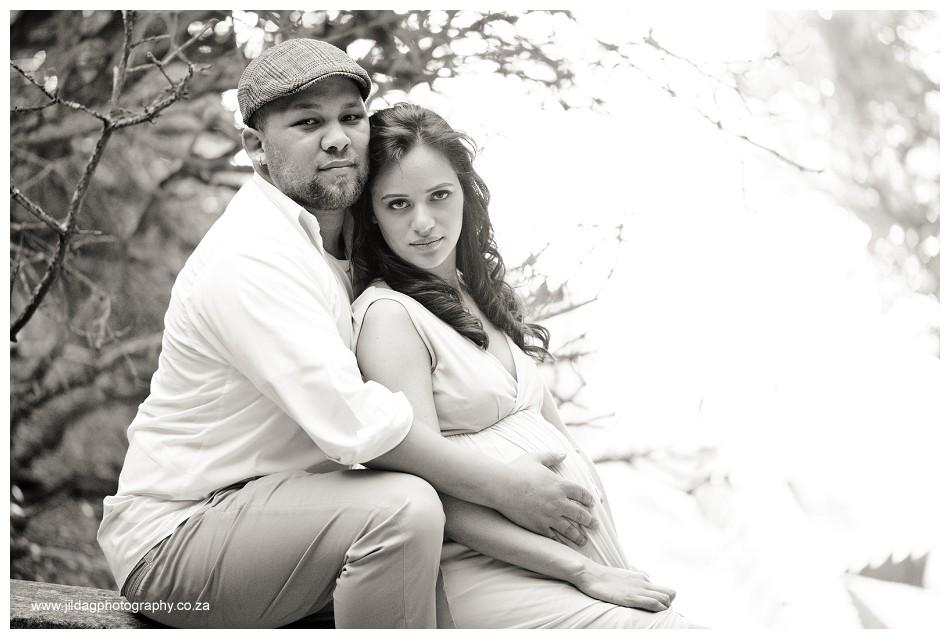 Maternity beach shoot - Jilda G Photography - pregnancy twins (12)