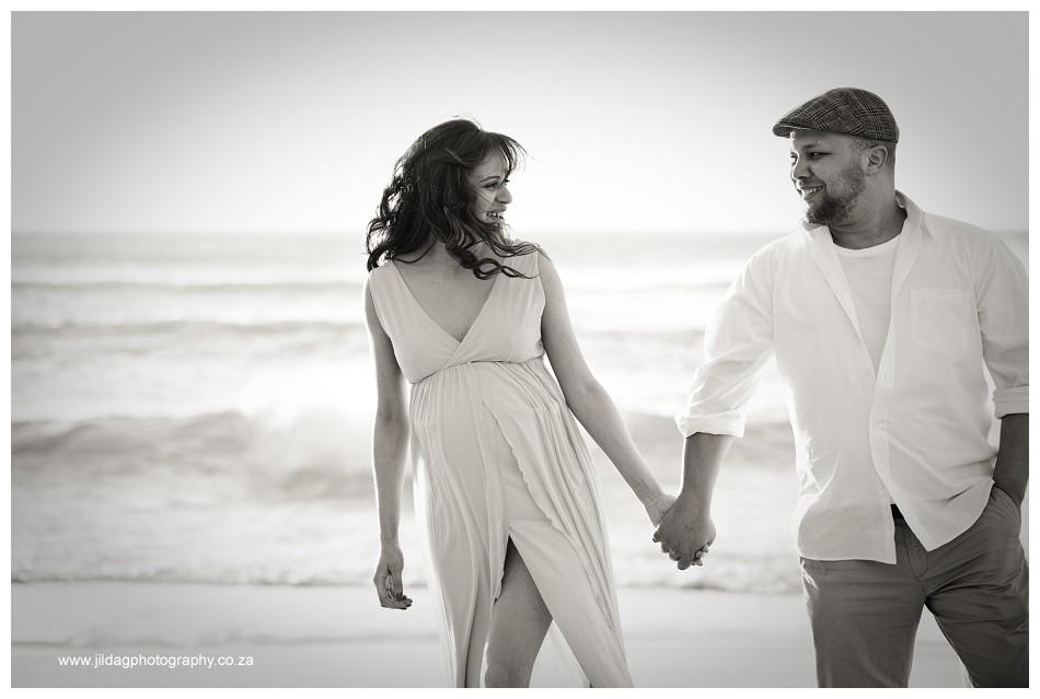Maternity beach shoot - Jilda G Photography - pregnancy twins (18)