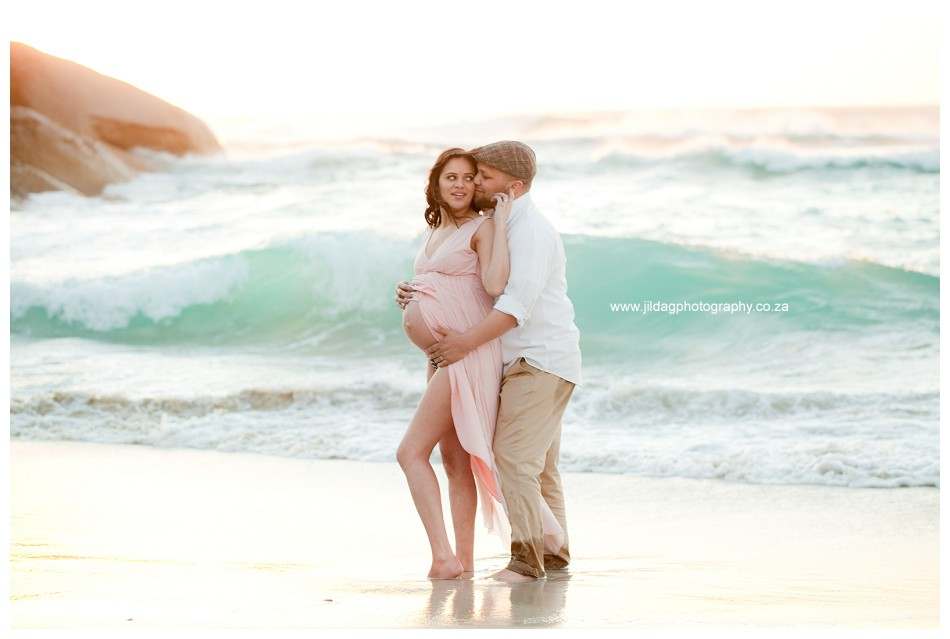 Maternity beach shoot - Jilda G Photography - pregnancy twins (35)