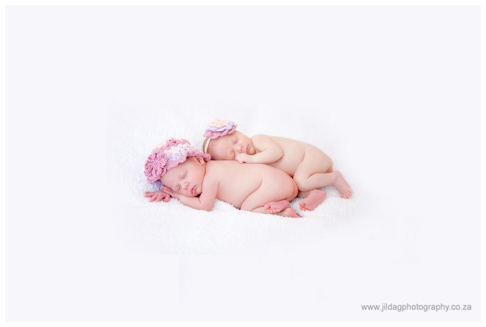 Newborn Twins photography _ Jilda G (1)