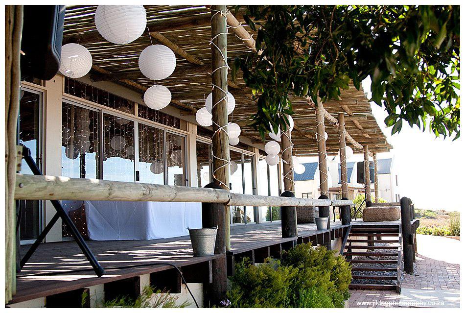 Seatrader, West coast beach wedding, Romy & Clynt (27)