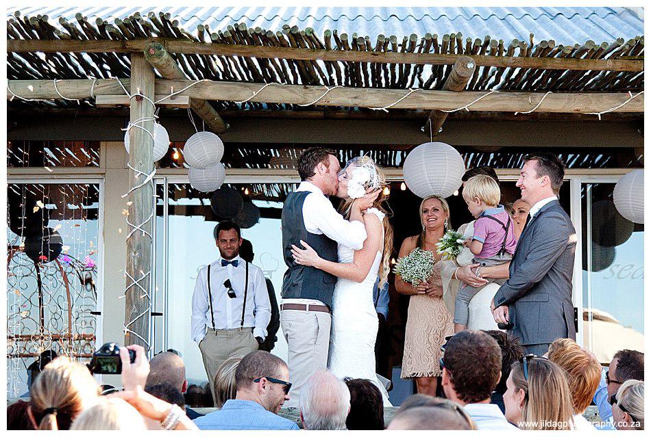 Seatrader, West coast beach wedding, Romy & Clynt (36)