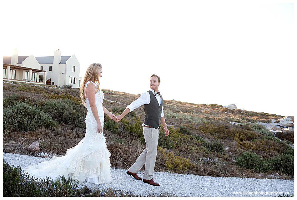 Seatrader, West coast beach wedding, Romy & Clynt (43)